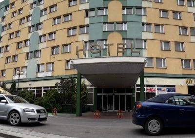 Wejście SEKA S.A. - Hotel Mieszko (2)