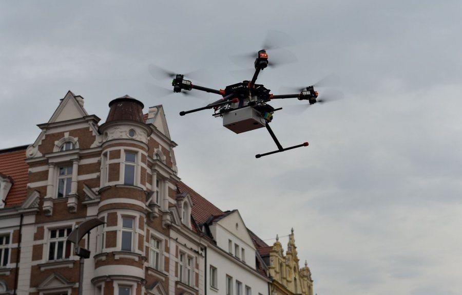 Dron sprawdza emisję spalin w Bytomiu