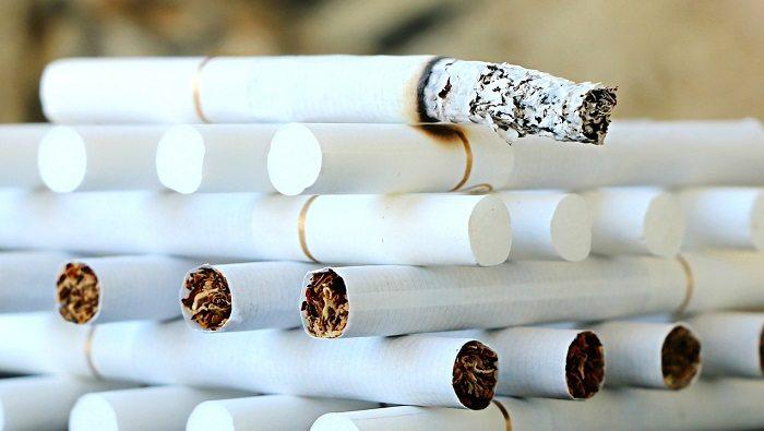Coraz więcej firm zabrania pracownikom palenia tytoniu w pracy
