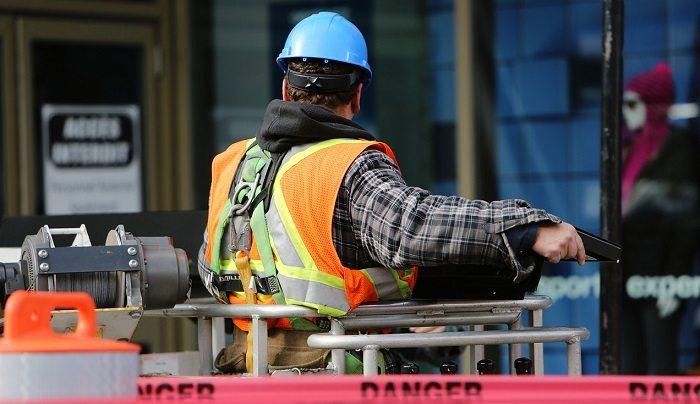 Brak szkoleń bhp – przyczyną wypadków pracowników