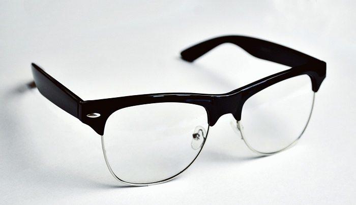Obowiązek zapewnienia okularów przez pracodawcę a podatek dochodowy