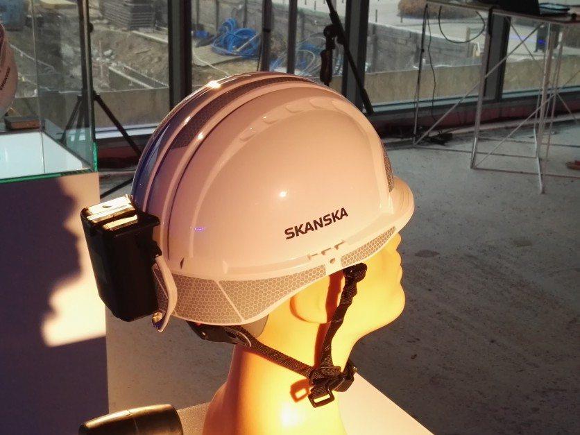 """""""Inteligentne kaski"""" na poprawę bezpieczeństwa na budowie"""