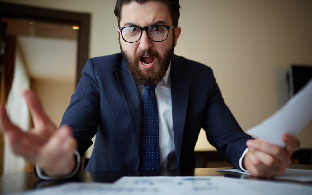 Jak sobie radzić z agresją w pracy?