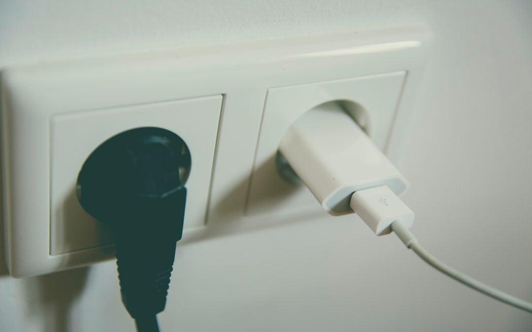GUS: przemysł, gospodarstwa domowe i rolnictwo zużywają coraz mniej energii