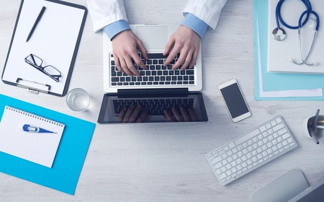 Czy pracownik zatrudniony na umowę zlecenie musi mieć badania lekarskie?