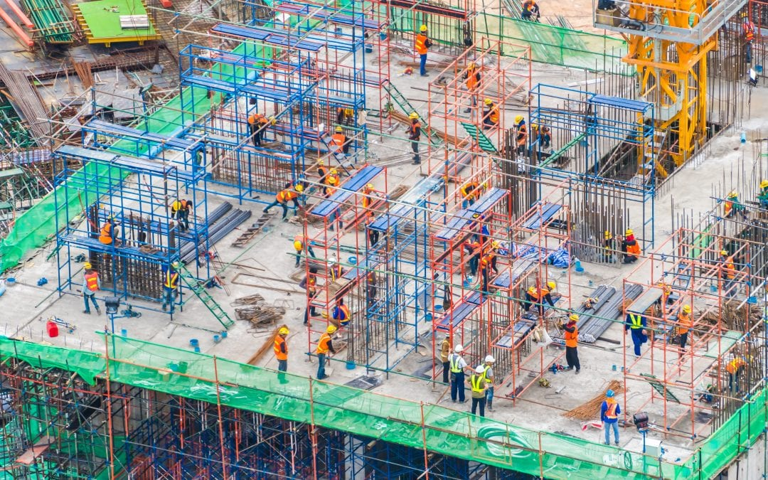 Jak zapobiegać zagrożeniom na budowie?