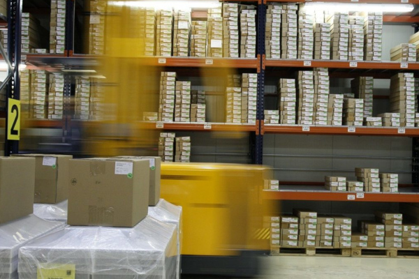 Czy przesyłki z Chin przenoszą koronawirusa?