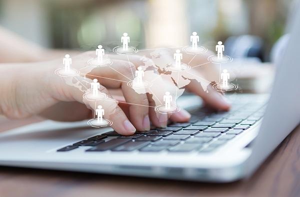 Najszczęśliwsi pracownicy są w działach IT, marketingu i reklamy