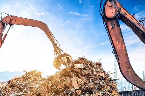 Nowe przepisy przeciwpożarowe dla składowisk śmieci
