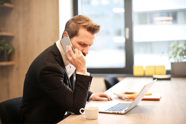 Telewindykacja należności – jak skutecznie rozmawiać z dłużnikami przez telefon?