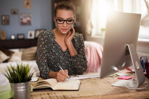 Jak efektywnie pracować na home office?