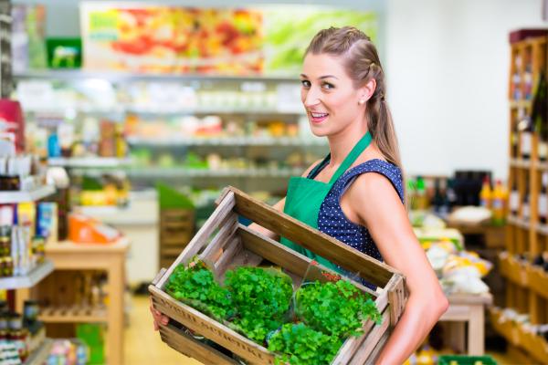 Jakie czynniki niebezpieczne występują w sklepach spożywczych?