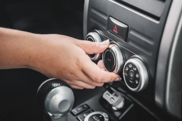 5 zasad bezpiecznego używania klimatyzacji samochodowej
