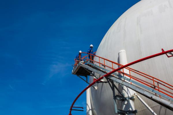 Jak zapewnić bezpieczeństwo przy budowie silosów?