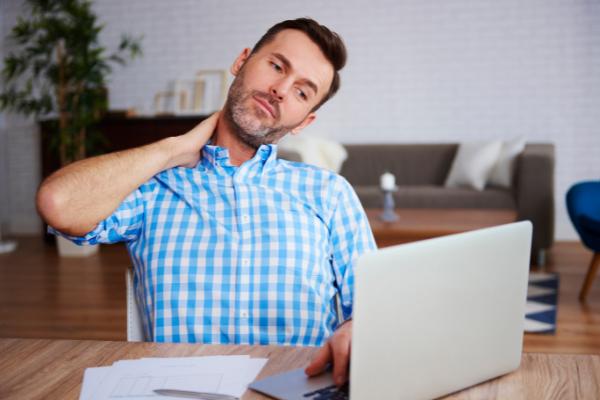 Jakie czynniki w miejscu pracy mogą mieć niekorzystny wpływ na zdrowie?